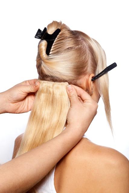 накладные волосы в виде постижей
