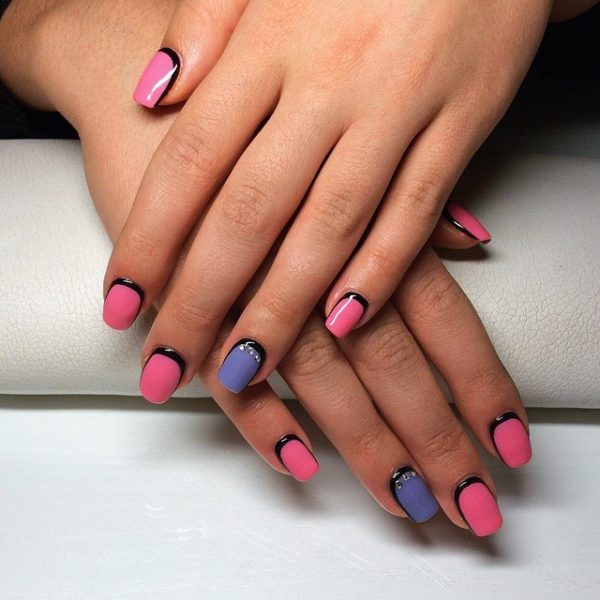 Рамочный нейл-арт сочетается с любой формой и длиной ногтей, главное, чтобы они были одинаковыми на каждом пальце