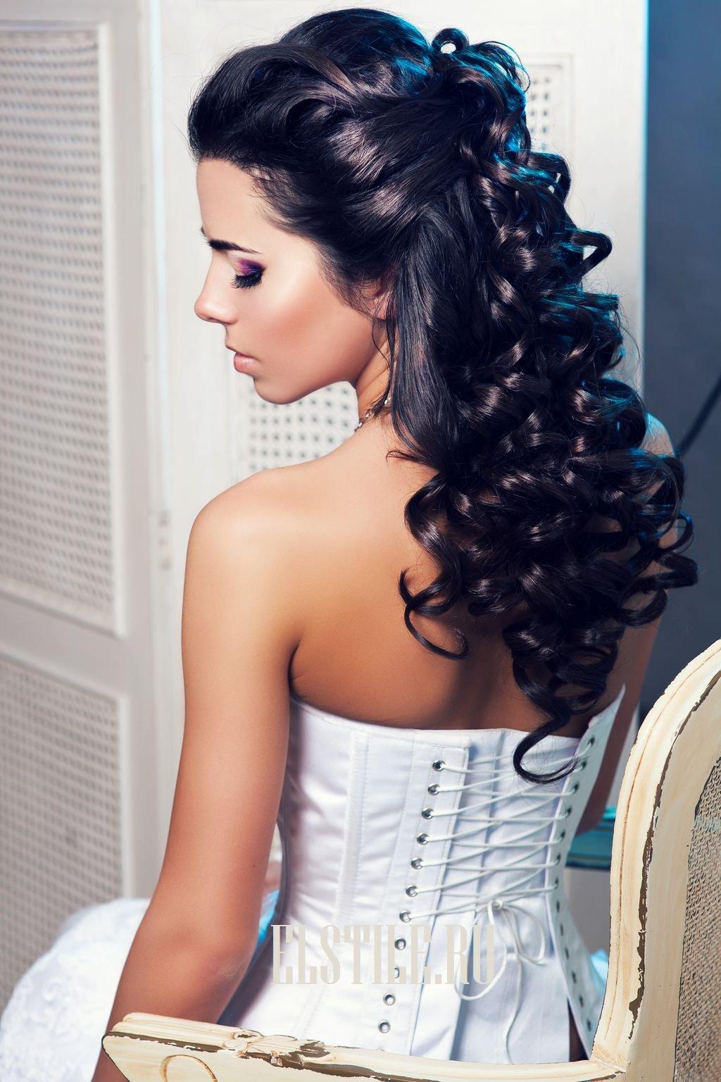 Вечерняя прическа на черные длинные волосы фото