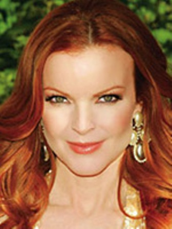 Секрет отчаянной домохозяйки – классическое сочетание рыжих волос и зеленых глаз