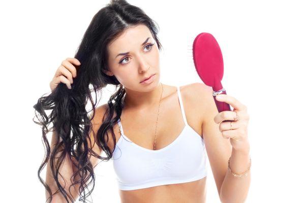 сильно выпадают волосы осенью что делать