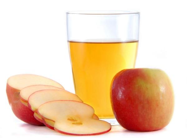 Соблюдение правильных пропорций позволяет использовать яблочный уксус в средствах по уходу за различными типами волос.