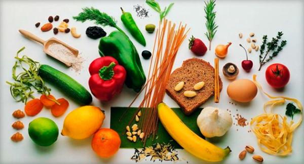 Старайтесь питаться разнообразно, исключая из рациона вредные продукты