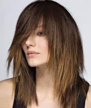 Стрижка каскад позволяет изменить образ, но и сохранить длину волос