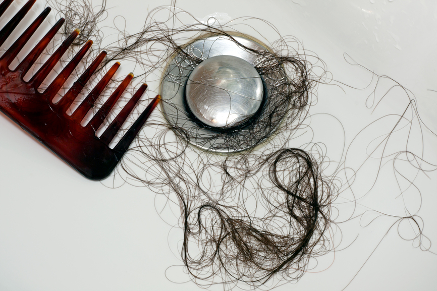 После мытья головы выпадает много волос