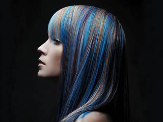 Синее мелирование на темные волосы