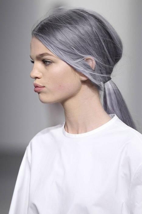 Волосы цвета пепла
