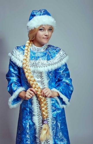 Традиционный атрибут Снегурки – длинная коса