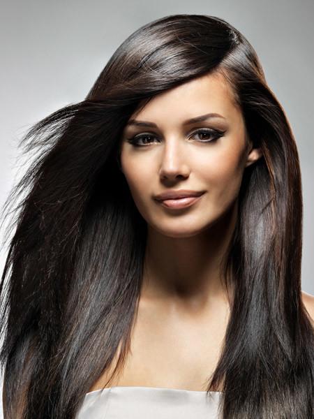 В основе волоса содержится 80% кератина, который придает ему силу и крепость