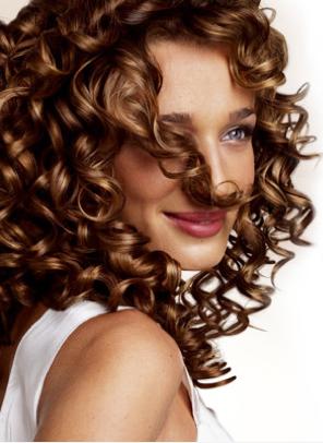 Как сделать укладку на кучерявые волосы