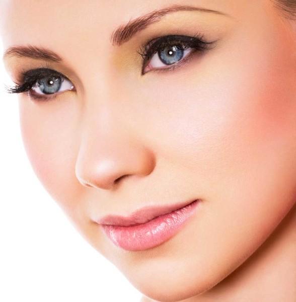 Закругленные брови — знак бизнес-леди