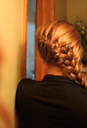 Заплести такую косу с легкостью можно и своими руками