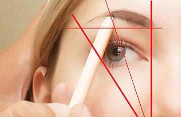 Золотое правило: внутренний угол глаза на одной линии с основанием брови.