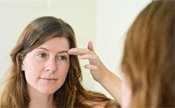 Зуд в районе левой брови может сулить дурные известия или встречи с неприятными людьми