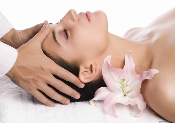 Активизируют рост волосяных фолликулов массажи кожи головы.