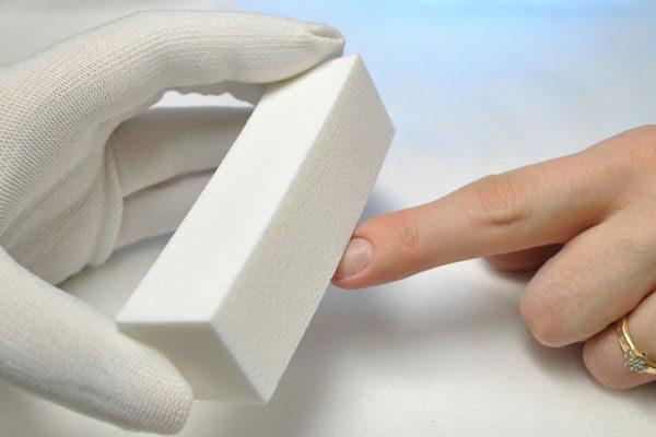Баф используют для выравнивания ногтевой пластины