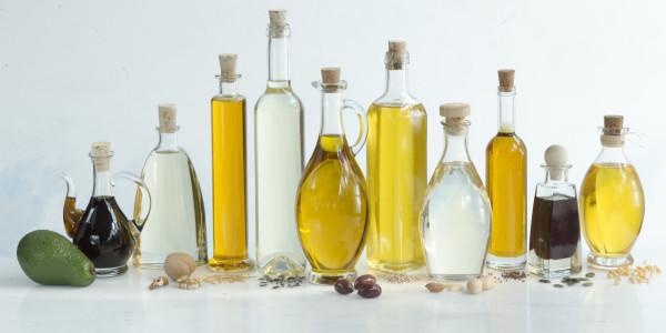 Базовые масла незаменимы в приготовлении качественной косметики для волос.
