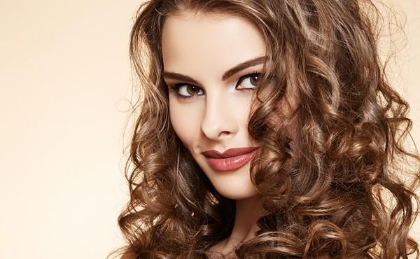 Биозавивка практически не вредит вашим волосам