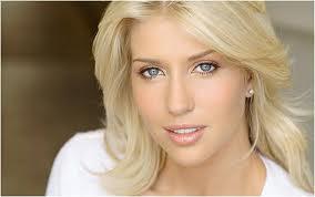 Блондинки обладают определенные особенностями шевелюры и характера