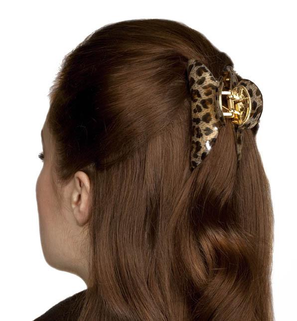Прически на средние волосы с заколками прищепками 69