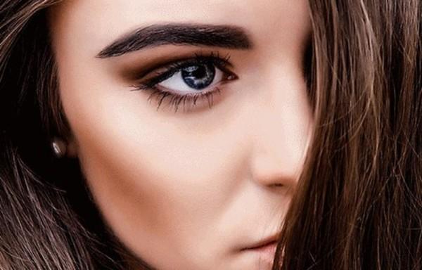 Брови, как и ресницы препятствуют попаданию влаги в глаза
