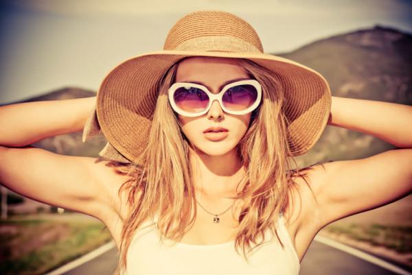 Будь вы блондинка или брюнетка, помните, что красивыми могут быть лишь здоровые волосы