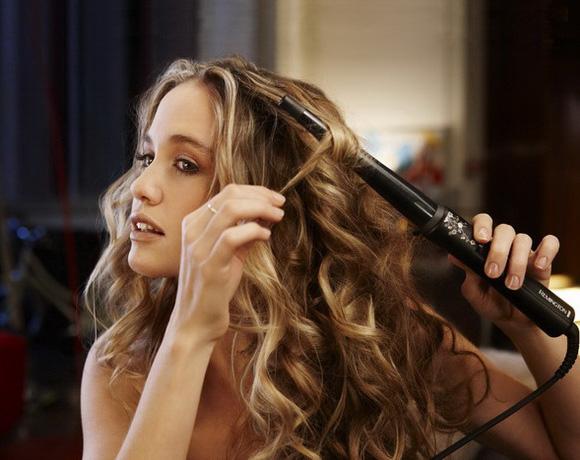 Частое использование этого приспособления приводит к сухости волос и как следствие к их ломкости