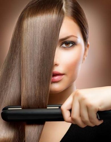 Чтобы сохранить красоту и здоровье прядей после выравнивания, не стоит жалеть средств на лучший утюжок для волос, который будет бережно воздействовать на структуру локонов