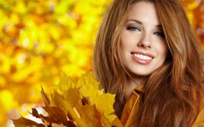 """Девушка с цветотипом """"осень""""."""