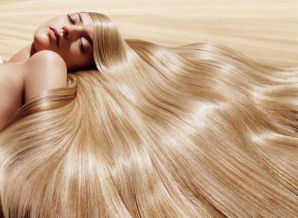 Длинные и блестящие локоны – природное украшение женщины