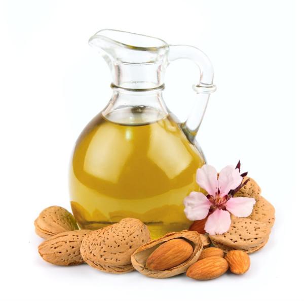 Для достижения лучшего эффекта масло стоит предварительно подогреть.