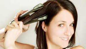 Если хотите, чтобы волосы были здоровыми, не забывайте наносить термозащитные средства