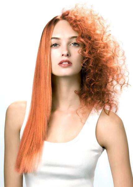 Если желаете провести кератиновое выпрямление волос после химической завивки и сохранить пряди в хорошем состоянии, то процедуру должен проводить опытный мастер