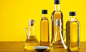 Фактически любое масло способно принести пользу вашим бровям