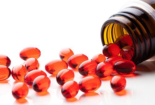 Фото наиболее удобной расфасовки витаминов, используемых для обогащения масок и бальзамов