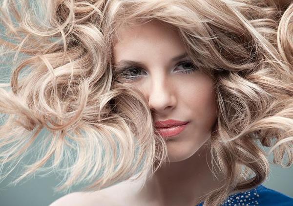 Фото осветленных волос – шарм и очарование