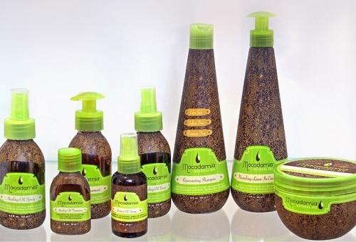Фото серии готовых косметических средств, изготовленных с добавлением масла макадамии.