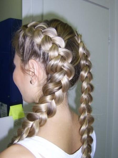 Локоны из косичек (36 фото): видео-инструкция как сделать своими руками, особенности прически - водопад, завивок с помощью кос, цена, фото