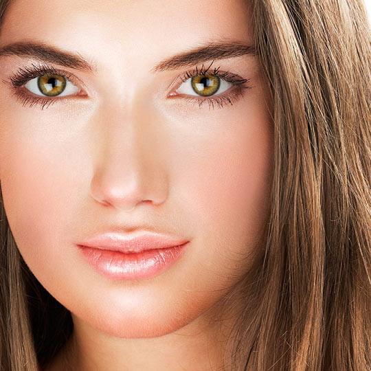Горизонтальные брови часто бывают у спортивных, энергичных и целенаправленных женщин
