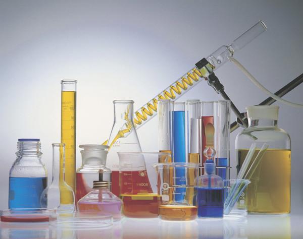 Химический состав современных шампуней несет опасность для здоровья человека