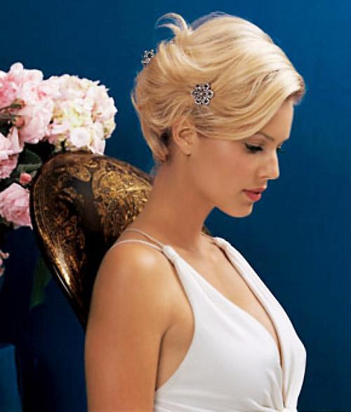 Холодная волна - укладка на свадьбу на короткие волосы, которая как никакая иная дополняет образ в ретро-стиле