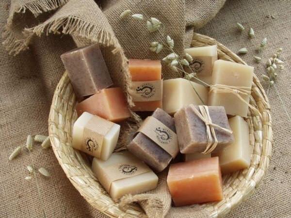 Хозяйственное мыло – эффективное средство для удаления хны