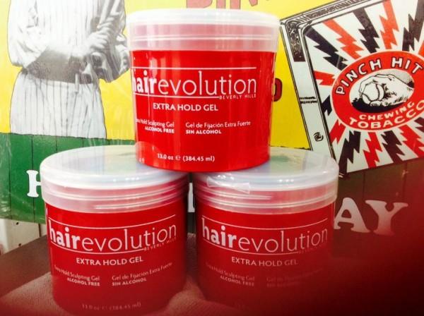 И небольшой совет для тех, кто творит парикмахерский шедевр своими руками – какой бы тип завивки вы ни выбрали, используйте фиксирующее средство без спирта, например, серию Revlon (цена – от 560 руб.)