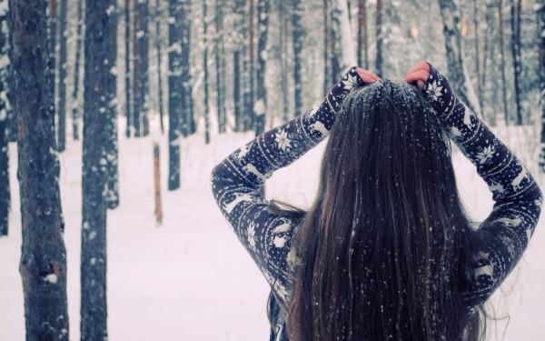 Имея под рукой антистатическое средство, вы можете быть уверенны, что в любое время года ваша причёска будет выглядеть опрятной