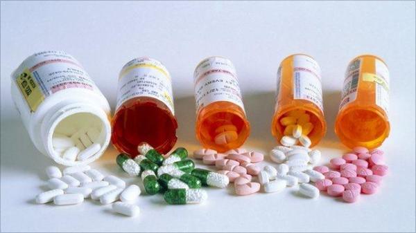Иногда, мы и не догадываемся, что таблетки могут вызывать сбои работы сальных желез