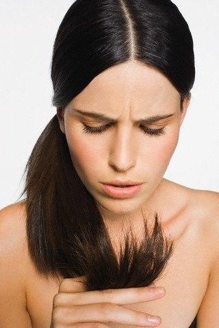 Использование термоспрея защитит ваши волосы от повреждения из-за высокой температуры