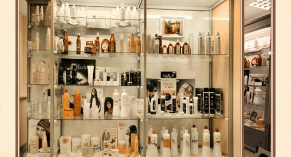 Качество уходовых средств для волос не всегда зависит от того, сколько стоит препарат, главное - состав.