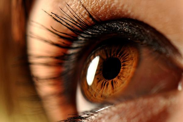 Карий цвет глаз: простор для выбора цвета прически практически безграничен!