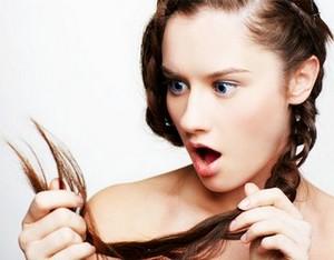 Когда начинают сильно лезть волосы у женщин, для них это сравнимо с трагедией.