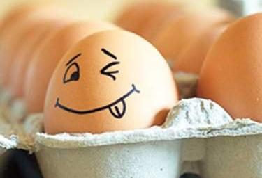 Куриные яйца – одни из наиболее популярных компонентов домашних моющих средств